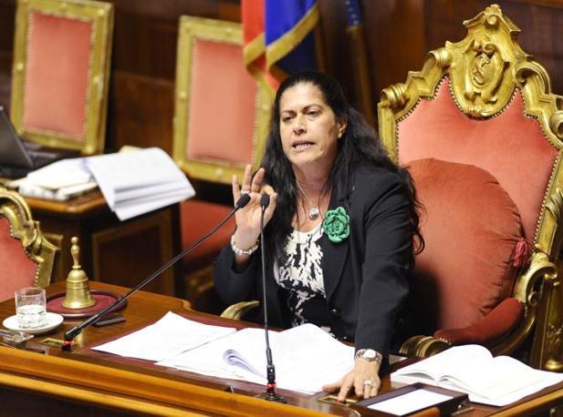 Il presidente di turno Rosi Mauro in aula al Senato durante le votazioni degli emendamenti al ddl Gelmini (Ansa)