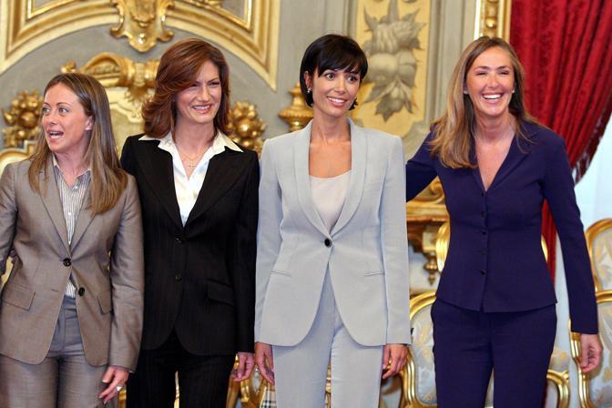 Mariastella Gelmini Mara Carfagna e Stefania Prestigiacomo in una foto d'archivio del 2008, durante il giuramento per il nuovo Governo Berlusconi (Emblema)