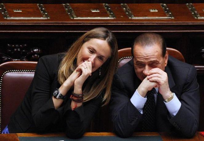 Stefania Prestigiacomo, Ministro dell'Ambiente, con il premier Silvio Berlusconi nella seduta alla Camera del 13 maggio 2008 durante le Dichiarazioni programmatiche del Presidente (Emblema)