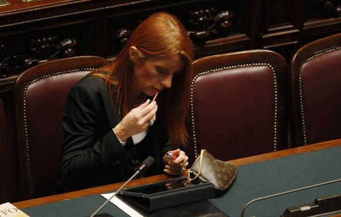 Michela Vittoria Brambilla, ministro del Turismo, alla Camera il 13 dicembre 2010 (Ansa)