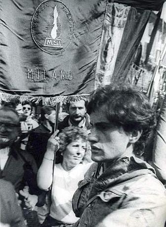 Gianni Alemanno ai funerali di Giorgio Almirante nel 1988