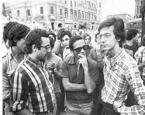 Walter Veltroni in Piazza di Spagna negli anni Settanta con Pasolini e Adornato