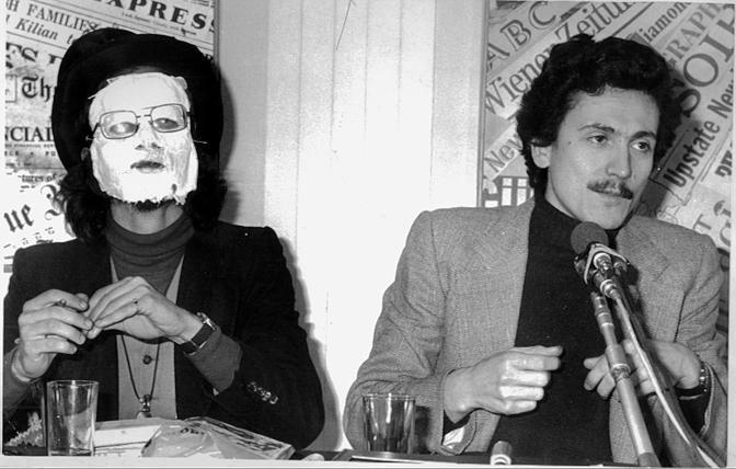 1977: il giovane dirigente del Pci con un indiano metropolitano