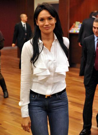 Nicole Minetti è stata lanciata in tv da Italia 1, con «Colorado Cafè»