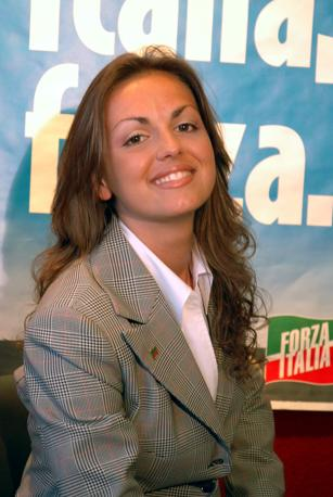 Francesca Pascale fond il club napoletano di Forza Italia Silvio ci Manchi (Ansa)
