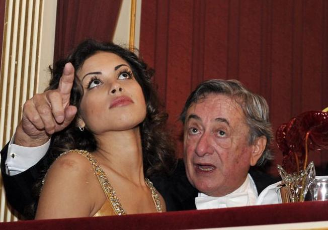 Ruby con Richard Lugner (Epa)