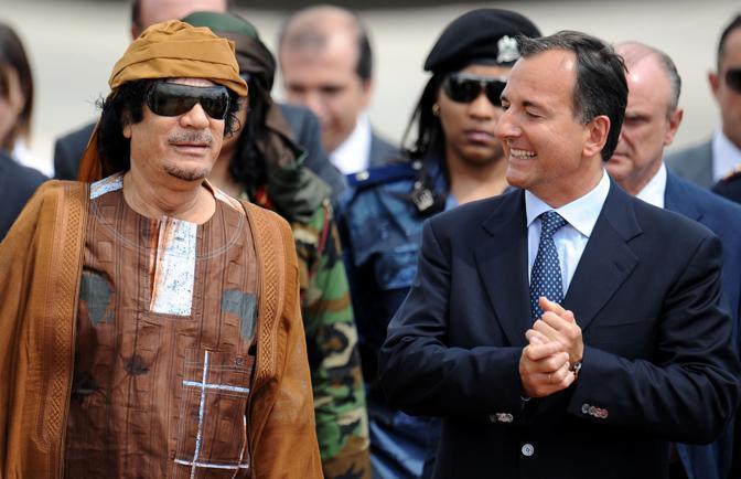 Gheddafi e Frattini (Ansa)