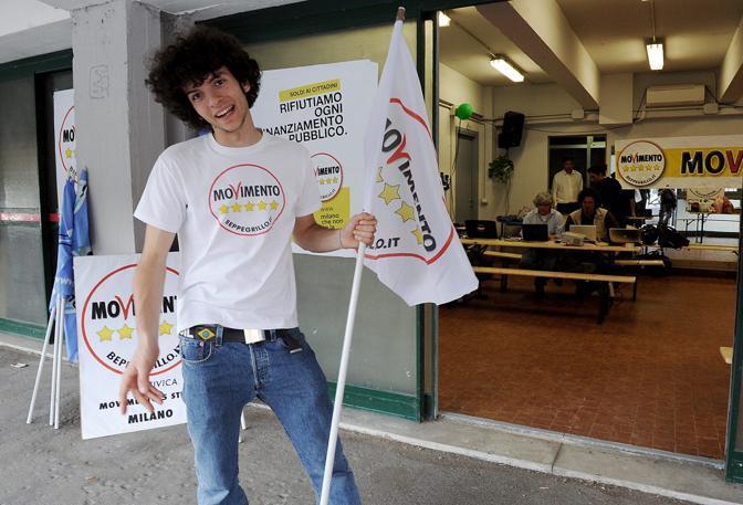 Mattia Calise, candidato del Movimento cinque stelle a Milano  (Fotogramma)