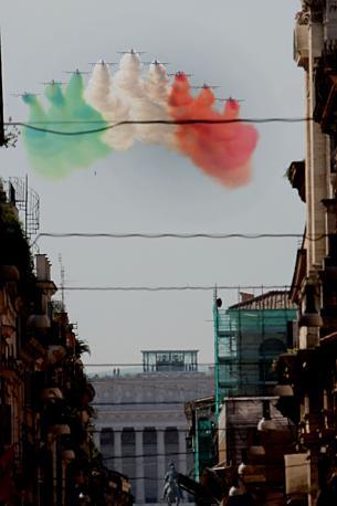 Il passaggio delle Frecce Tricolori su piazza del Popolo -(Cristiano Laruffa/Blow Up )