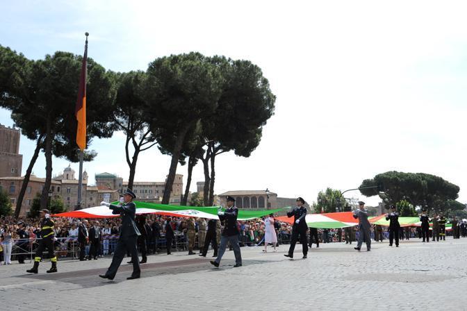 La sfilata dei 5 Tricolori (Afp)