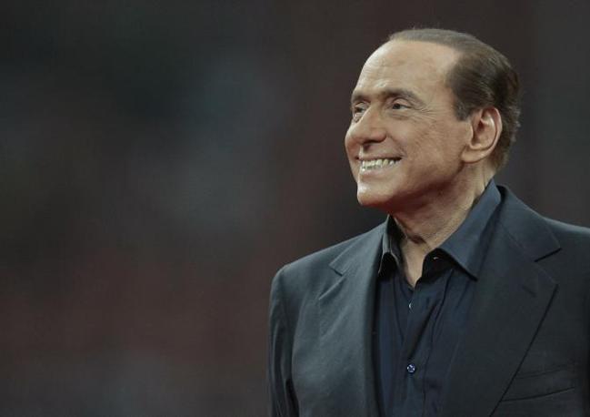 Il settimanale riferisce che Berlusconi avrebbe raccontato lui stesso di seguire la dieta tisanoreica durante una cena al ristorante «Giannino» di Milano dopo la partita Milan-Juventus (Andreoli)