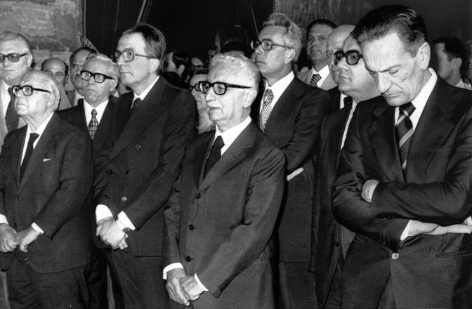 La commemorazione della morte di De Gasperi con tutto lo stato maggiore della Dc