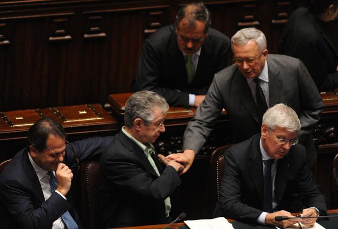 Umberto Nossi si siede accanto a Saverio Romano (Photoviews)