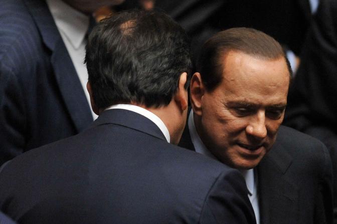 Arriva Silvio Berlusconi e saluta Romano (Imagoeconomica)