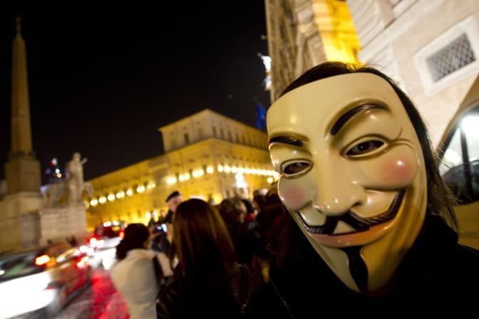 Anonymous, il simbolo degli indignati (Ansa)