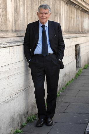 Gianfranco Polillo, sottosegretario all'Economia (Emblema)