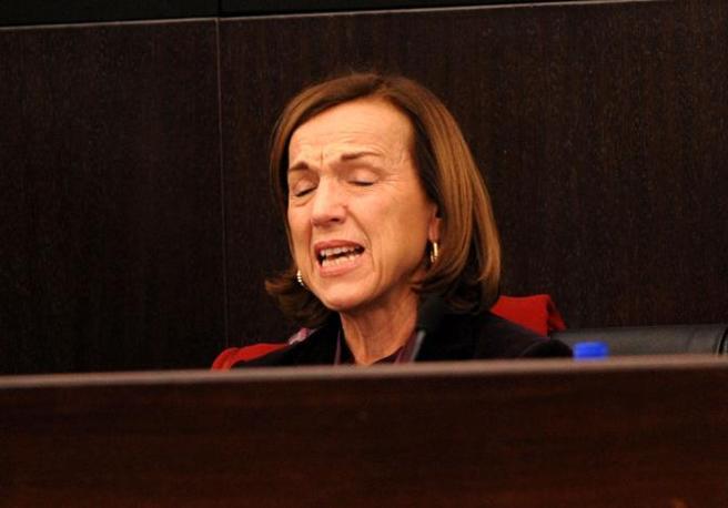 Il ministro del Welfare Elsa Fornero sta illustrando la riforma delle pensioni. A un certo punto, però si commuove. E non riesce più a proseguire (benvegnù-guaitoli)
