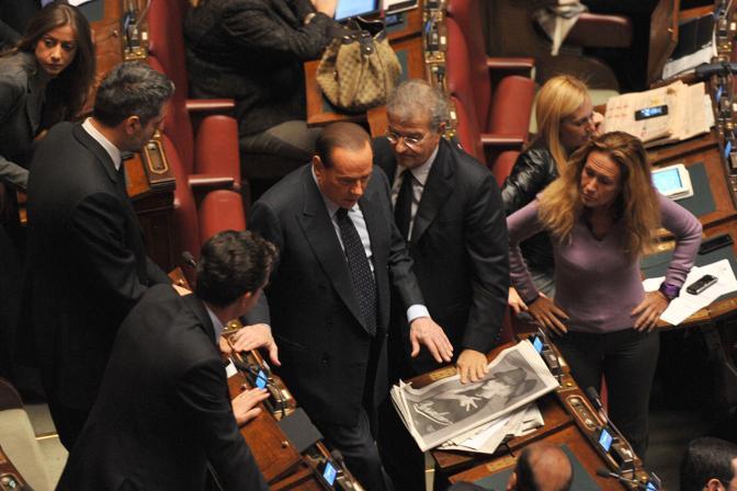 Silvio Berlusconi in aula per il voto (Afp)