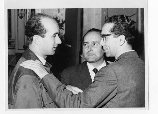 A Firenze nell?ottobre 1959 al terzo congresso della Democrazia cristiana, tra Ciriaco De Mita ed Emilio Colombo (Archivio Corriere)