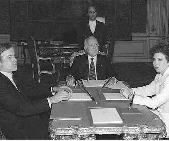 Il 13 novembre 1995 al Quirinale per il vertice sulla giustizia con il presidente del Senato Scognamiglio e quello della Camera Pivetti (Ap)