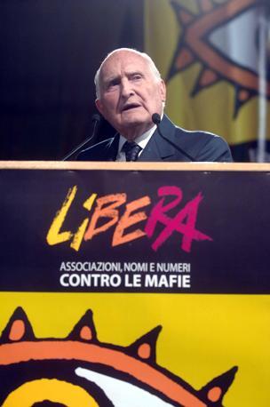 Il 17 novembre 2006 agli Stati generali dell?antimafia (Liverani)