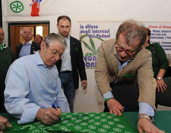 Umberto Bossi e Roberto Maroni nella nuova sede Lega Nord a Castiglione Olona (Cavicchi)