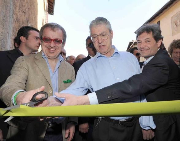 Roberto Maroni e Umberto Bossi inaugurano sede Lega Nord a Castiglione Olona (Cavicchi)