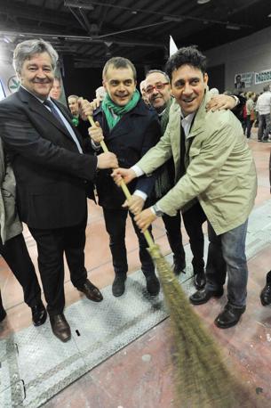 Anche Fabio Rolfi con la scopa (Cavicchi)