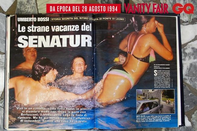 Bossi e Rosi Mauro giocano in piscina