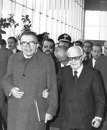 Con Pertini nel 1983 (Ansa)