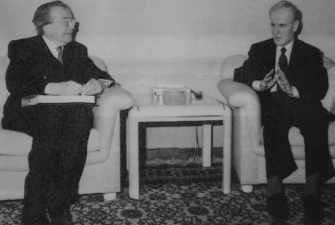 Con Hafez Assad, presidente siriano, nel 1995 (Ap)