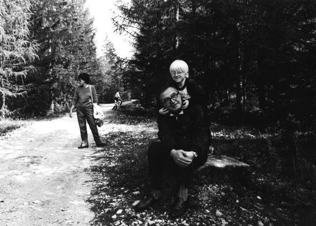Un momento di relax con il nipote a Cortina (Fotogramma)