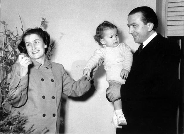 Con la moglie e una delle figlie nel 1978 (Fotogramma/Coluzzi)