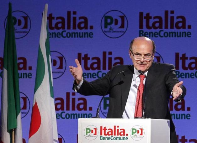 L'intervento del segretario Pierluigi Bersani (Ansa/Alessandro Di Meo)