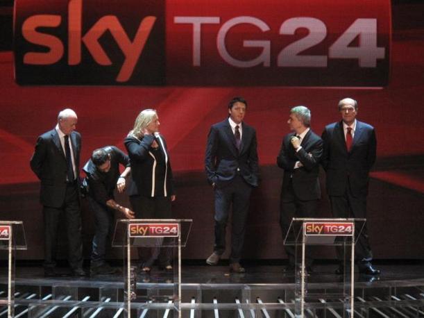 Su sky faccia  faccia dei canditati alle primarie del centro sinistra per la scelta del candidato premier Vendola Bersani Renzi Puppato e Tabacci (Fotogramma)