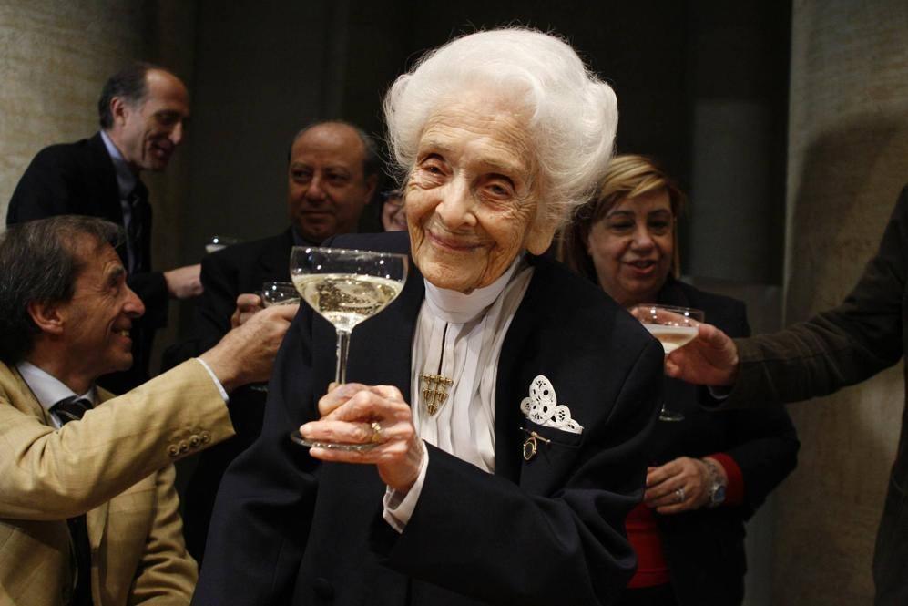 Il festeggiamento per i suoi 100 anni a Roma, nell'aprile del 2009 (Eidon)