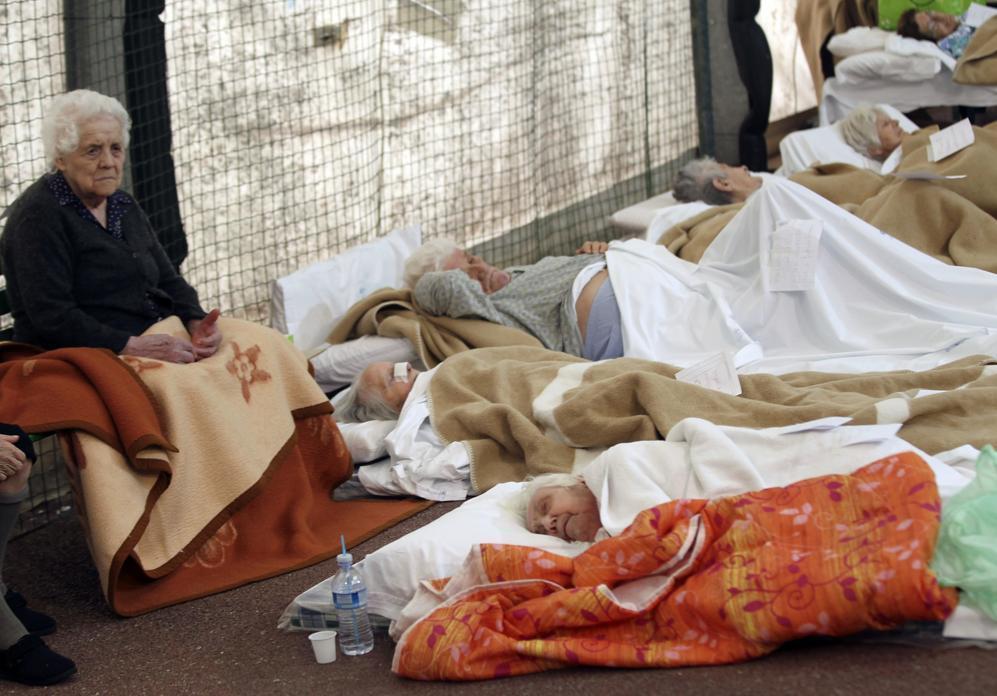 Tantissimi gli sfollati. Se ne contano almeno tremila (Reuters/Benvenuti)