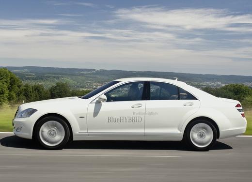 La Mercedes S400 Bluehybrid, macchina più innovativa del 2009
