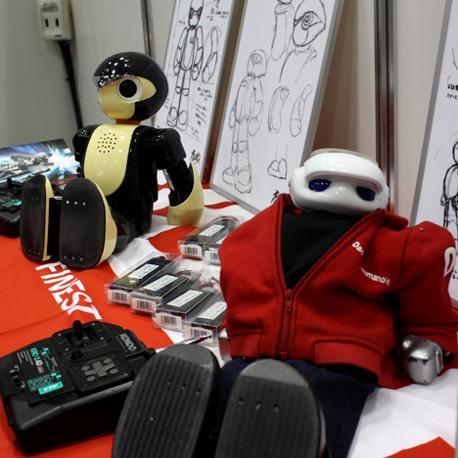 IL «Manoi PF01» e l'«AT01», atleti robotici a riposo