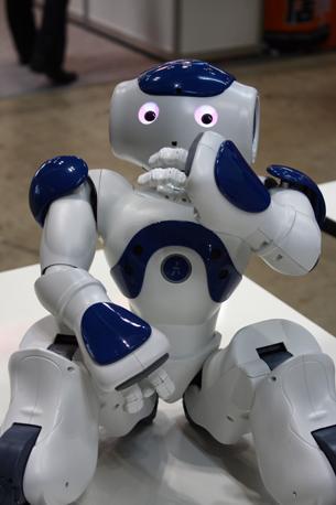 «Nao» è invece europeo: è nato in Francia dalla Alderbaran Robotics