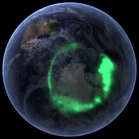 Quarto posto in classifica per l'aurora australe ripresa sopra il polo Sud l'11 settembre 2005 quattro giorni dopo l'eruzione record di plasma dal Sole