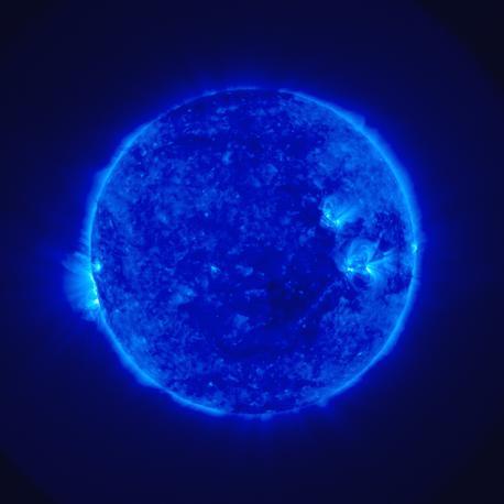 Il Sole blu. Settima piazza per l'immagine agli ultravioletti ripresa il 4 dicembre 2006