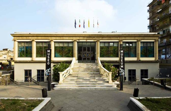 Il nuovo museo archeologico si estende su 5.000 metri quadrati su tre livelli, accoglie più di settanta installazioni multimediali, tra ricostruzioni scenografiche, interfacce visuali e ologrammi