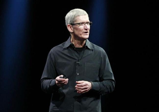 Il CEO di Apple Tim Cook (REUTERS/Stephen Lam)