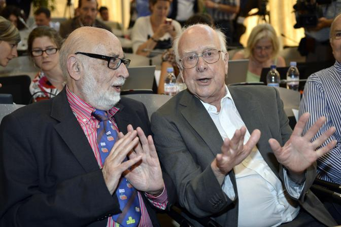 I fisici Franois Englert e Peter Higgs (Ap)