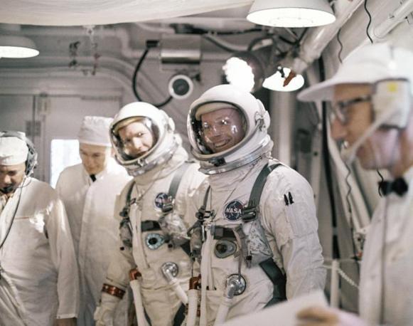 Armstrong e David Scott durante una simulazione di volo il 16 marzo 1969, in preparazione della missione Apollo 11 (Ap)