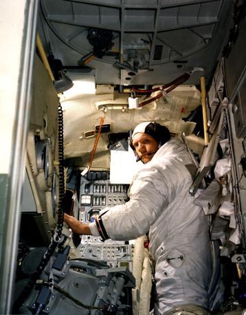 Armstrong durante una simulazione (Afp)