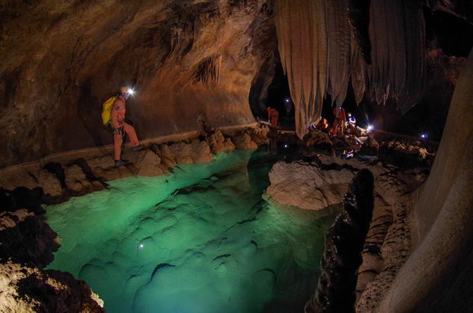 Prove Generali Di Voli Spaziali Nelle Caverne