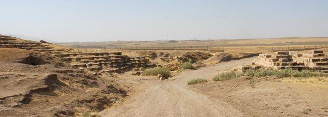 Veduta dei resti dell?acquedotto in pietra costruito da Sennacherib a Jerwan