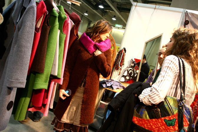 Alla fiera della moda critica for Cosa fa l assistente alla poltrona